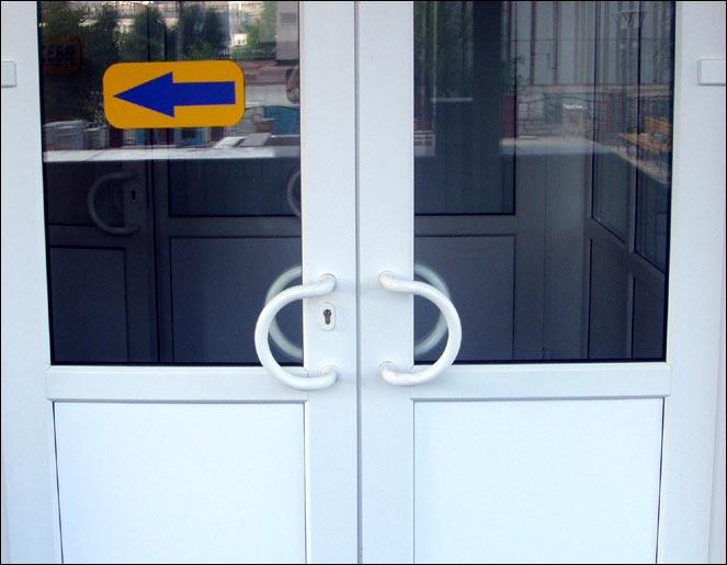 Ремонт пластиковых дверей дверь не закрывается